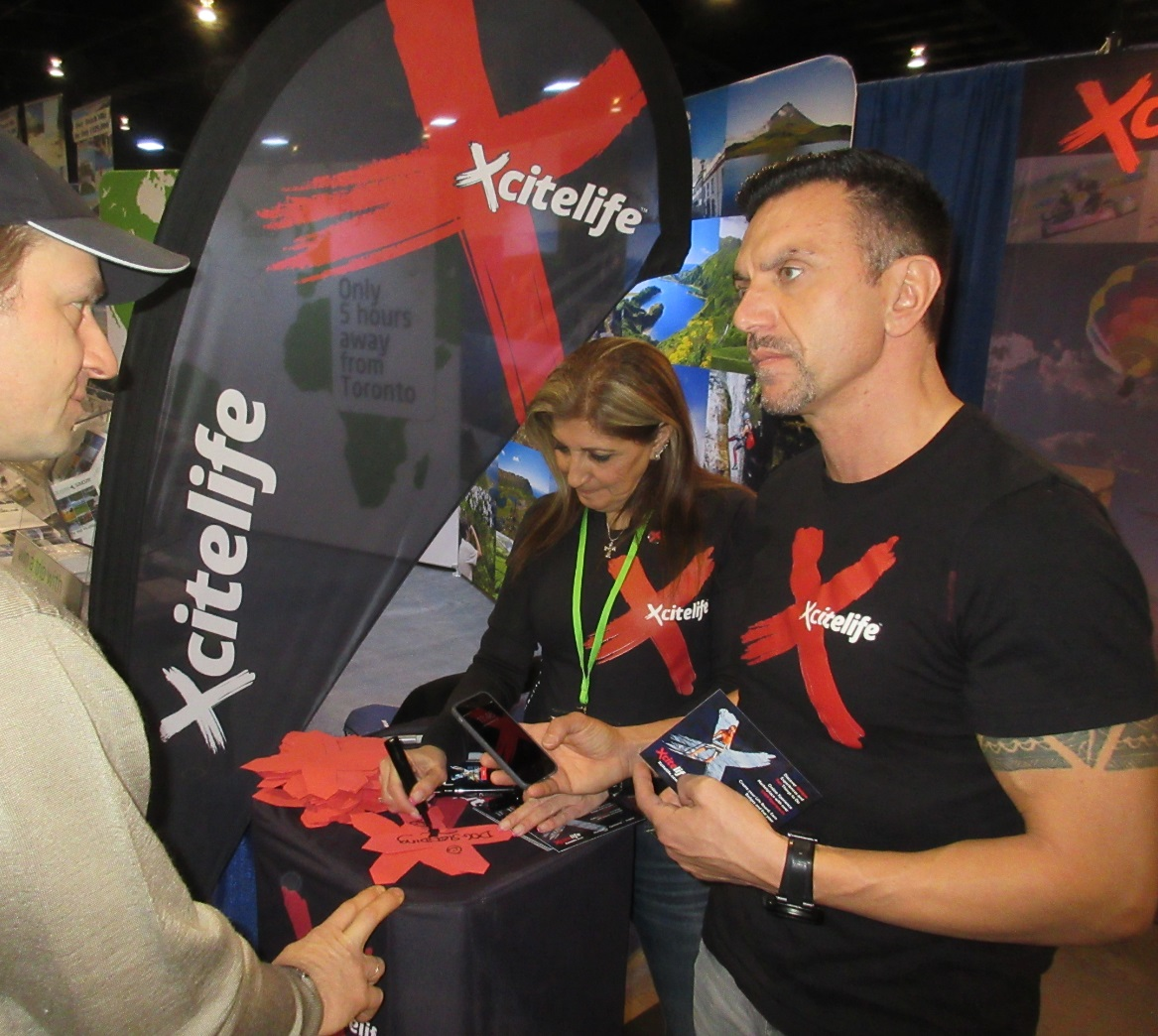 Paul Peic listens at Xcitelife-at-Outdoor Adventure Show 2016