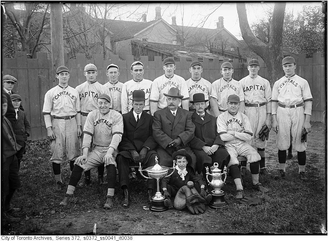 Baseball Team - Nov 1913 vintage baseball photographs