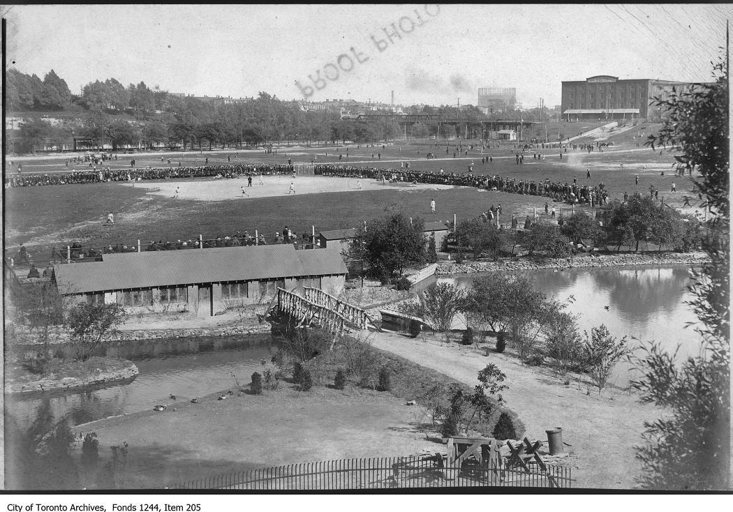 Baseball game, Riverdale Park. - [1914?] vintage baseball photographs