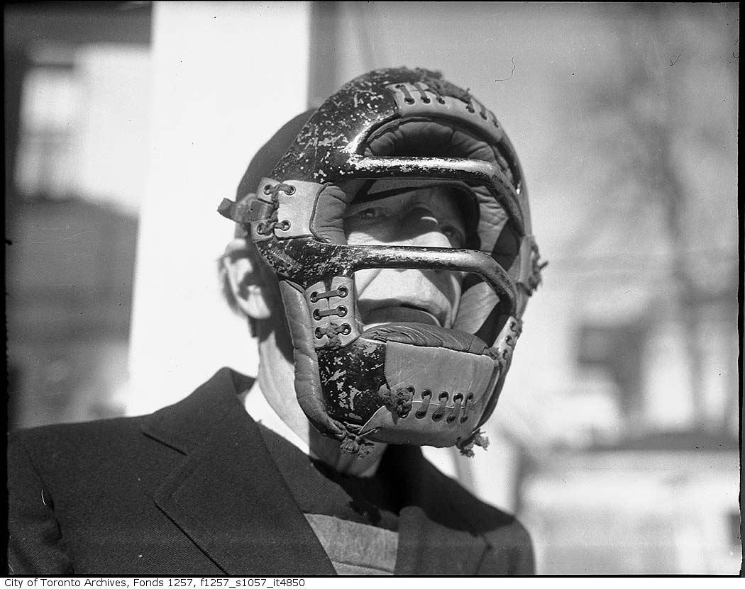 Baseball umpire - 194? vintage baseball photographs