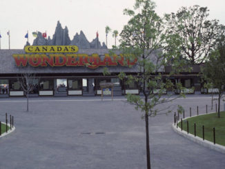 View of Canada's Wonderland main entrance