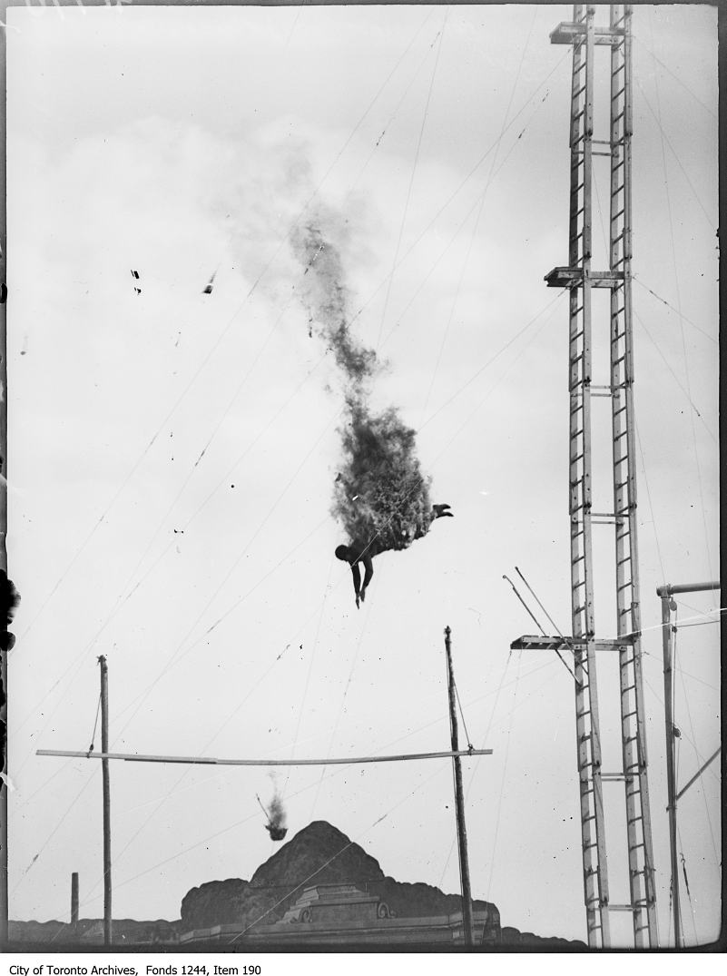 1912-1920 - Fire diver, CNE midway