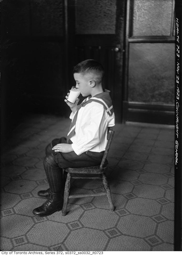 1923 - Children at Connaught School drinking milk