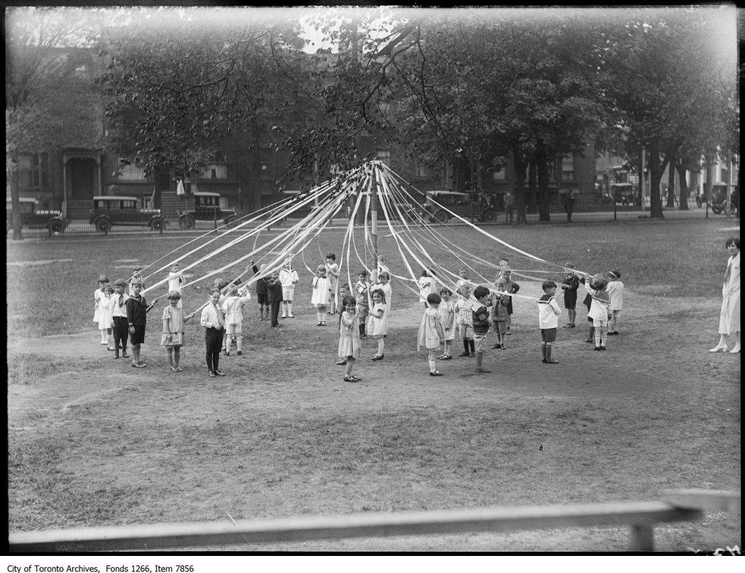 1926 - Normal School, kindergarton May Pole group