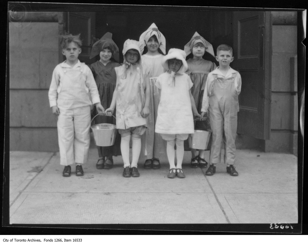 1929 - Separate School pageant, Arena, group of 7