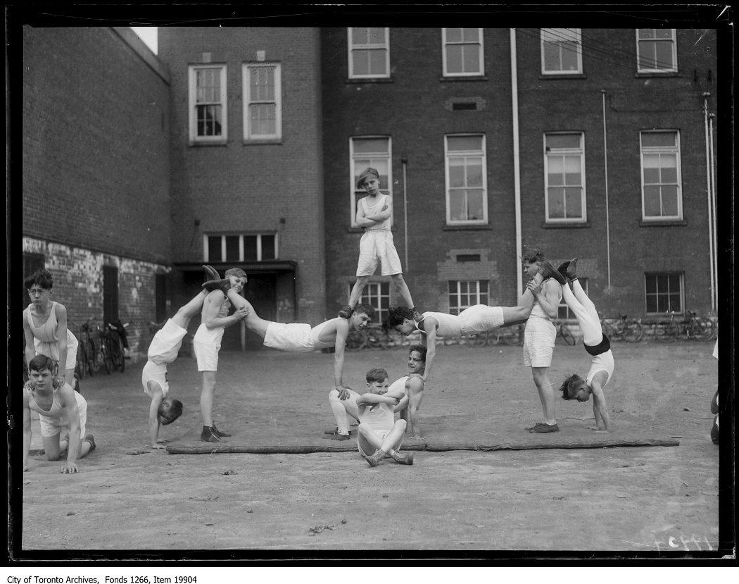 1930 - Junior Vocational School, pyramid by gym class