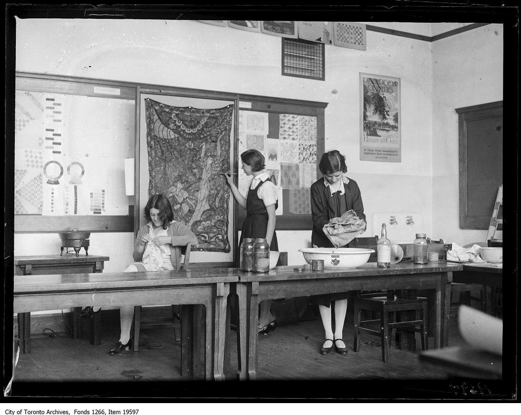 1930 - Western Technical School, Batik work