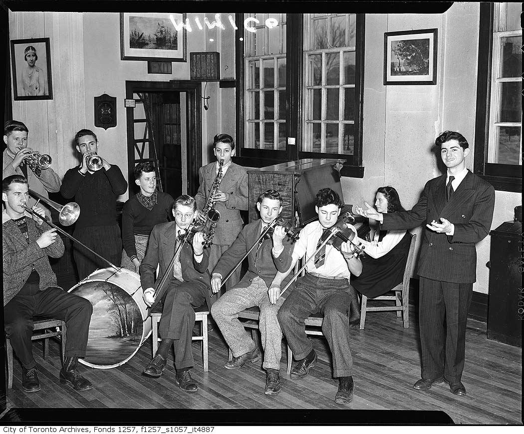 1935 - 1945 - Mimico school band