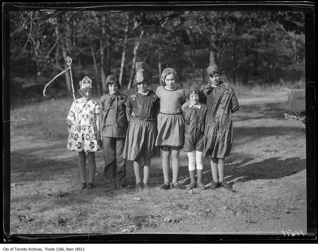 1929 - oct 28 - Victoria Park Forest School, Halloween party, group of six