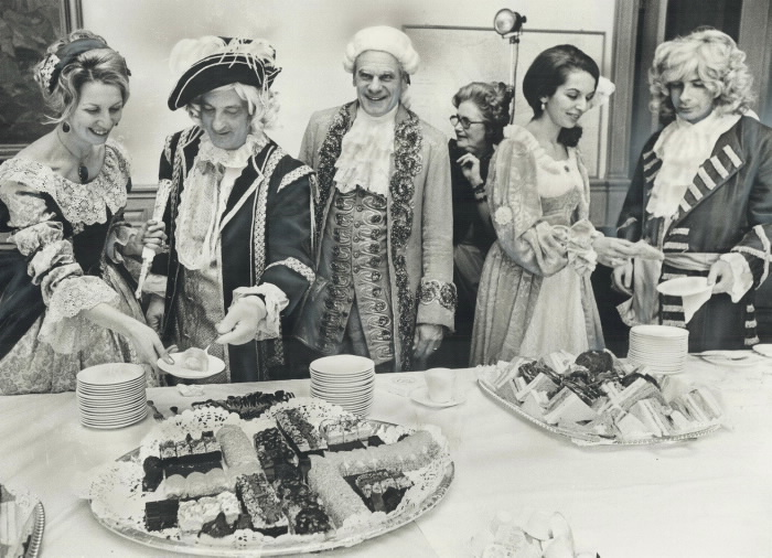 1973-syl-apps-17th-century-costume-in-honor-of-kingstons-300th-birthday