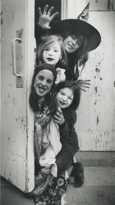 1992-hannah-pallett-arthurs-top-shealagh-earle-meadows-michelli-vachon-and-claire-salloum-haunt-williamson-road-school-yesterday