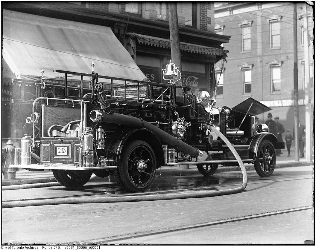 1927-1940 - New Golfredson-Bickle pumper No. 9 at 2nd-alarm fire, Queen and Dennison streets