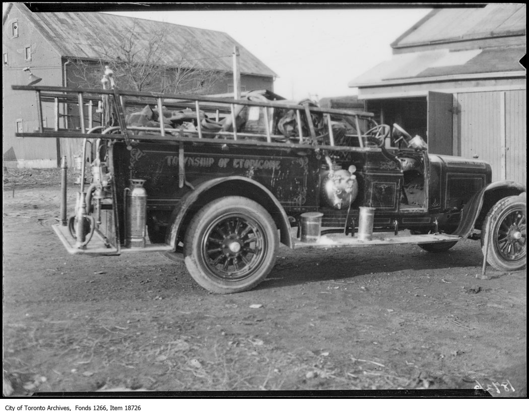 1929 -Islington, fire truck which overturned