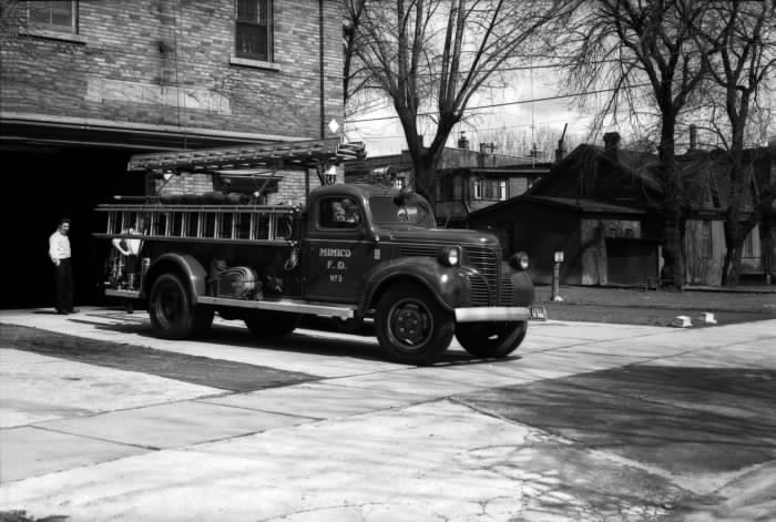 1955 - Fire Hall, Etobicoke, Superior Ave., e. side, n. of Lake Shore Blvd. W