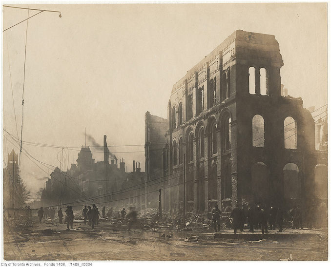 1904 - Aftermath of the 1904 fire: Front Street west of Bay