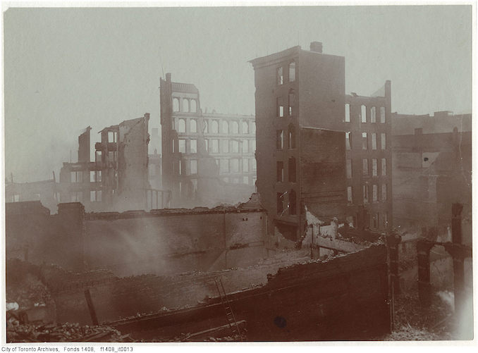 1904 - Aftermath of the 1904 fire: east side of Bay Street at Melinda