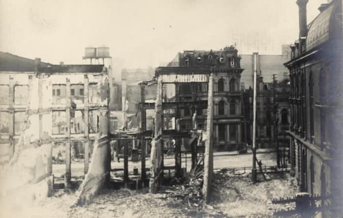 1904 - aftermath of fire, Front St. W., looking n. from s. side, w. of Yonge St.; custom house at right
