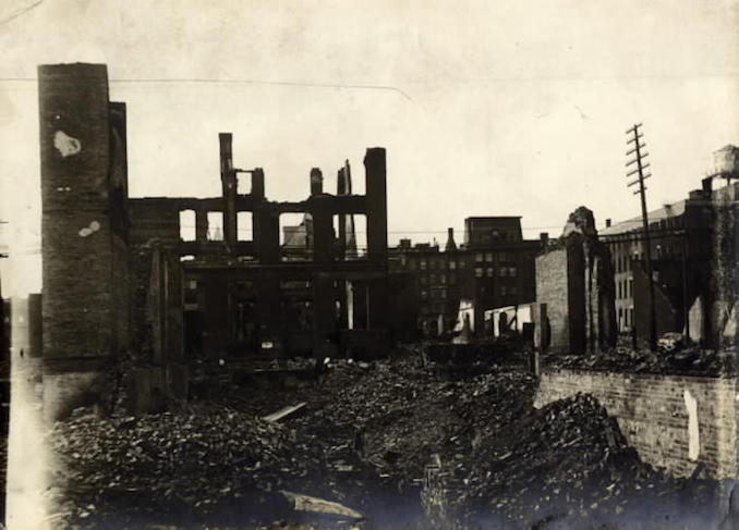 1904 - aftermath of fire, Front St. W., looking n. to Wellington St. W., e. of Bay St.