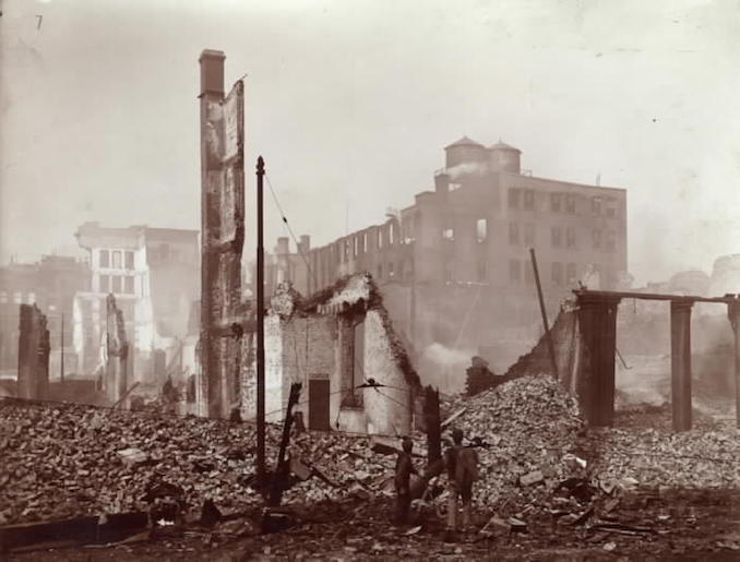 1904 - aftermath of fire, Front St. W., looking n.