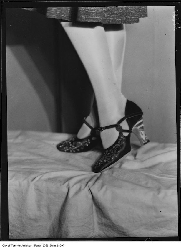 1930 Shoe fasion show, as a self-confessed shoeaholic, I could not resist these