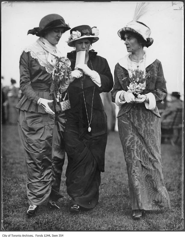Historic Toronto Fashion 1913 Woodbine Racetrack