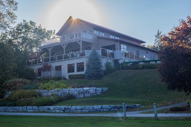 Oakwood Resort Pub Restaurant