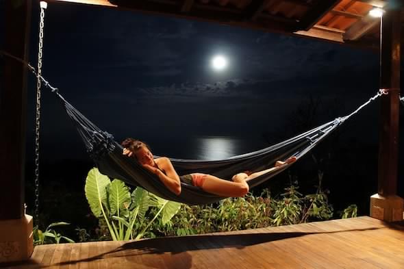 costa-rica-deck-and-hammock anamaya