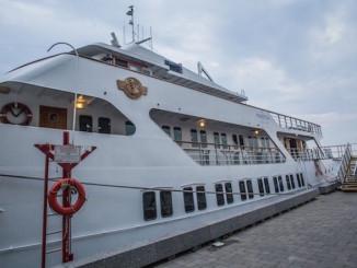 Mariposa Cruises Boat