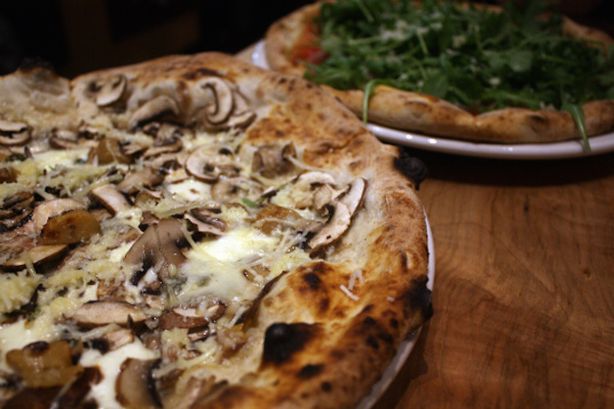 Pizzeria Libretto pizza