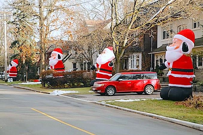 Inglewood Drive Santas - Toronto Holiday Attractions