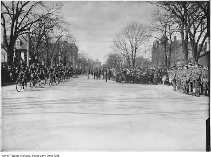 Bicycle corps, University Avenue. - 1913 - Vintage Bicycle Photographs