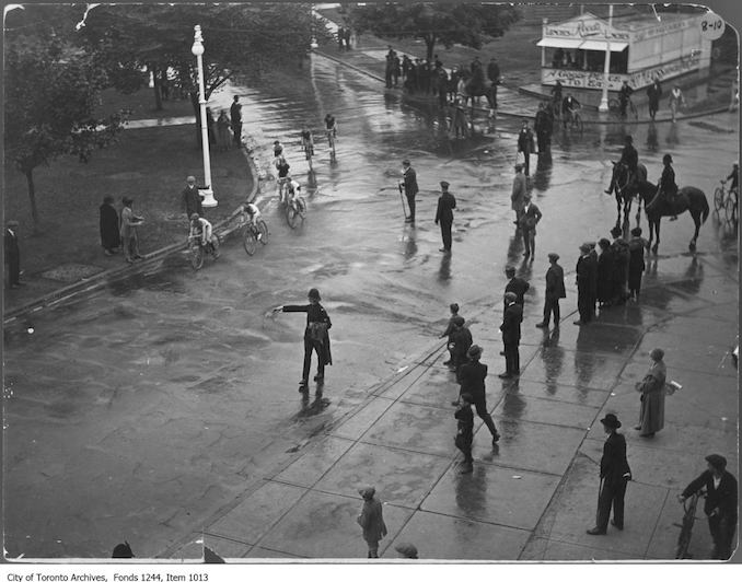 Dunlop Trophy bicycle race, CNE grounds. - [1924?] - Vintage Bicycle Photographs
