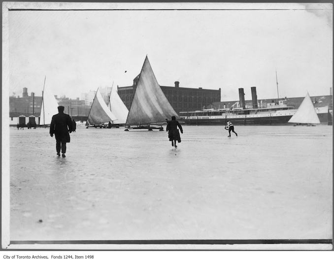 Iceboats and skaters on the bay. - [1908?]