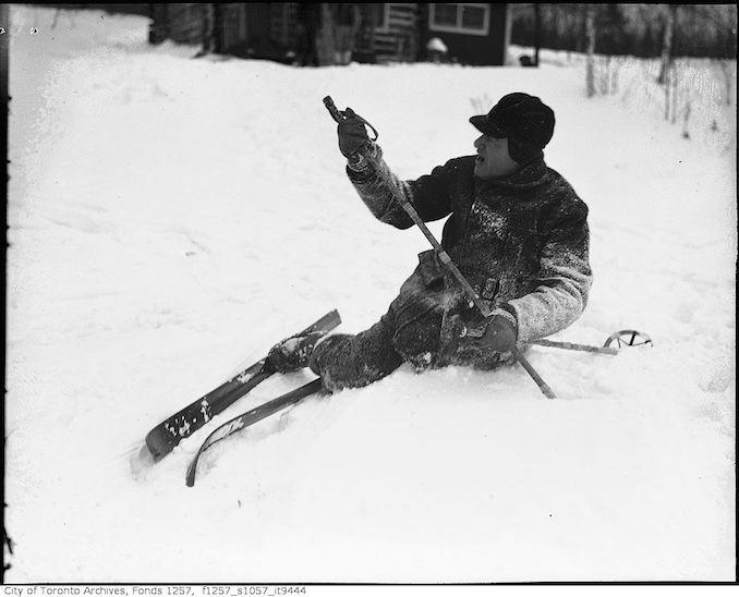 Lou Turofsky skiing - 193-? - vintage skiing photographs