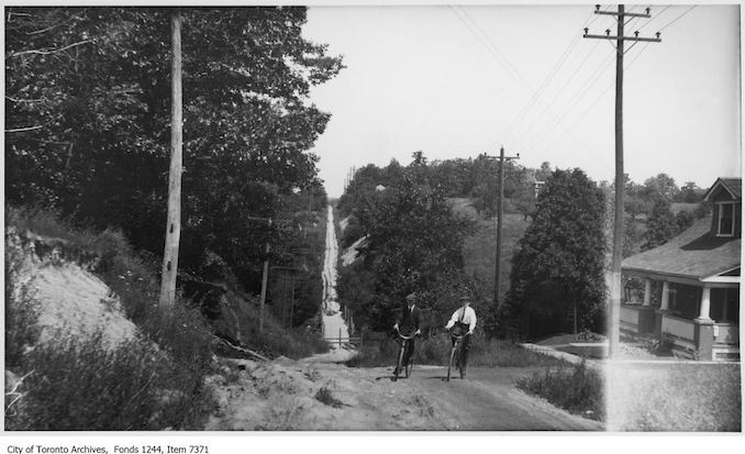 North Bathurst Street hill. - [ca. 1922] - Vintage Bicycle Photographs