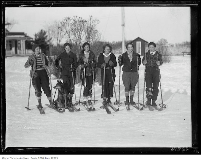 Rosedale Golf [Course], group of girl skiers - January 7, 1931 - vintage skiing photographs