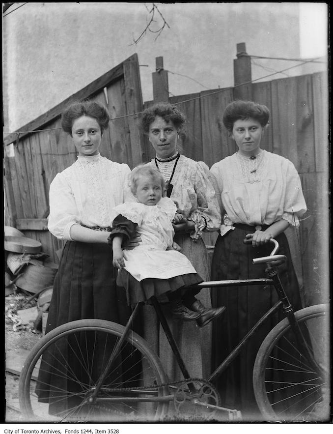 Sis, Aunt Alice, Dora, and Frank (on bicycle) James. - 1907 - Vintage Bicycle Photographs