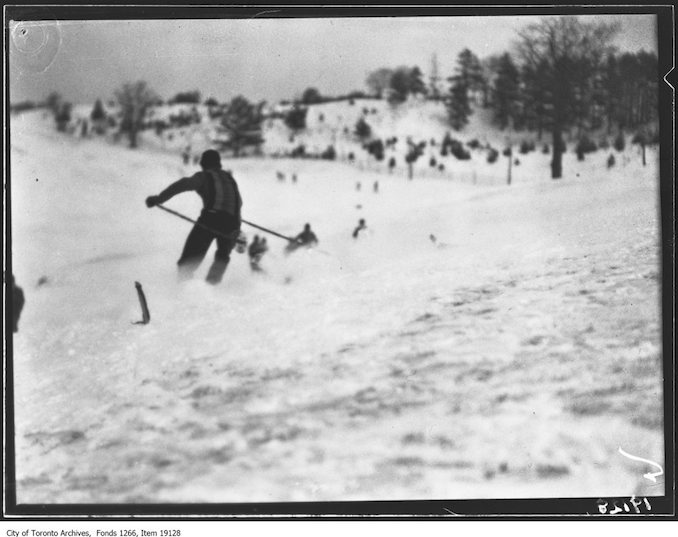 Toronto Ski Club, Doug Thornton making turn - January 26, 1930 - vintage skiing photographs