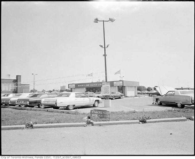 Vintage Automobile Photographs - 2419 Eglinton Avenue East, Main Line Auto Lease aug 28 1975