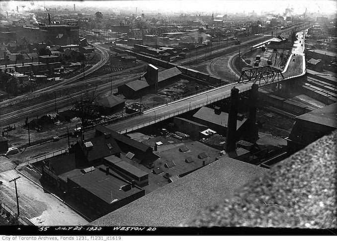 Aerial view of Weston Road bridge district 1920