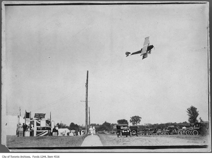 Airplane in flight. - [ca. 1919]