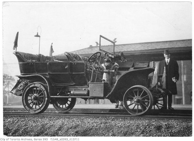 Automobile - CPR official inspection car oct 12 1916