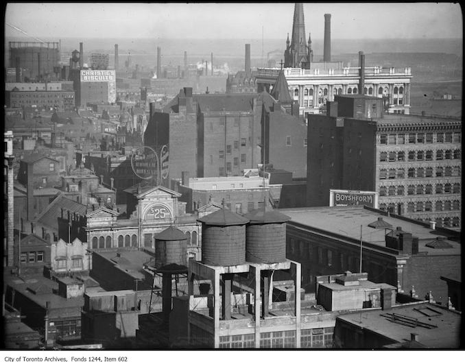 Looking southeast from Richmond and Bay streets. - [between 1912 and 1920]
