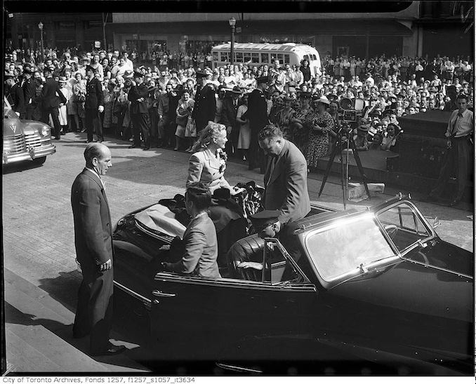 Miss Toronto 1947 Margaret Marshall arrives in automobile at Old City Hall 1948
