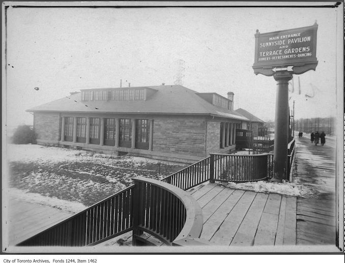 Main entrance to Sunnyside Pavilion Restaurant. - [1928?]