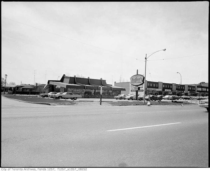 1974 - Fuller's Restaurant, Eglinton Avenue East