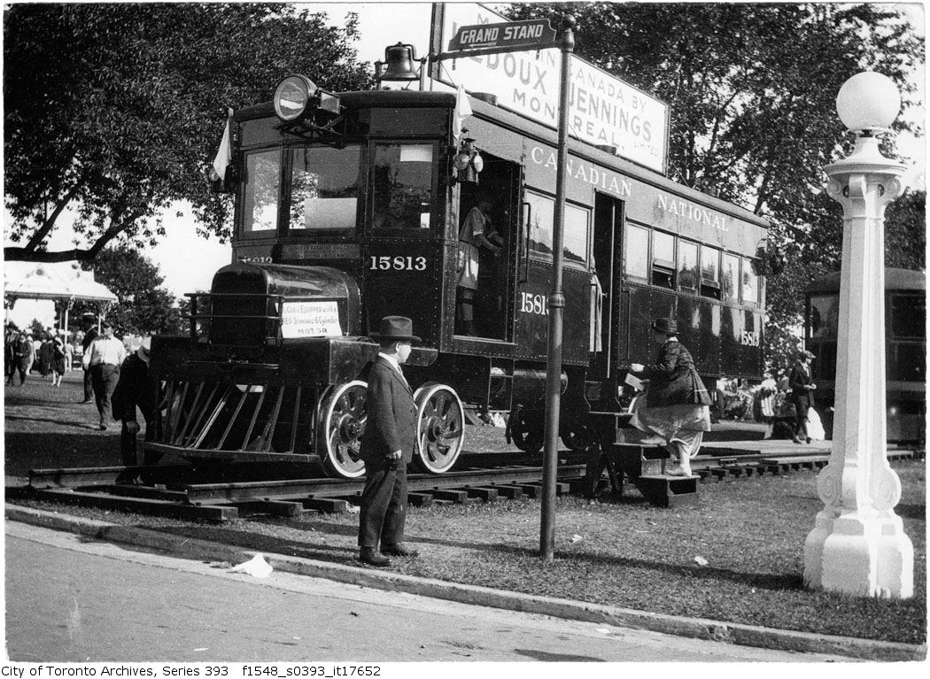 Exhibition - motor train - 1922