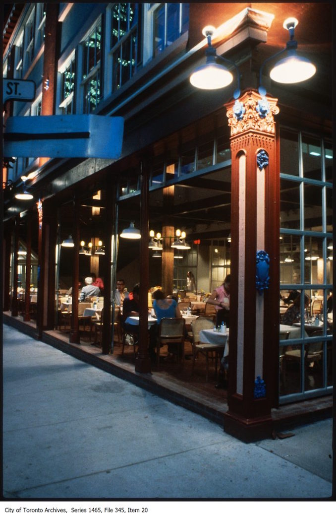 Restaurant on corner of Pearl and unidentified street - 1988
