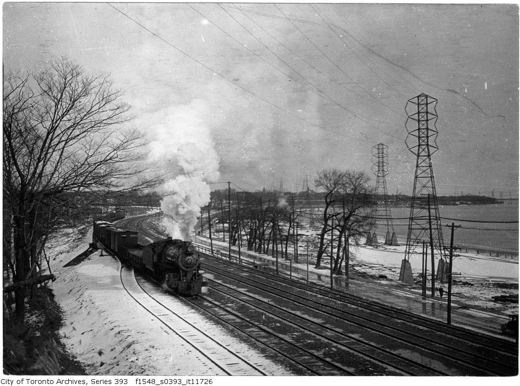 Sunnyside - train near High park - 1915