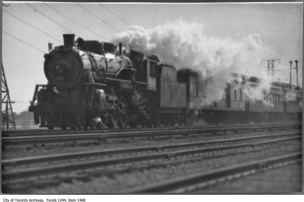 Train at Sunnyside. - [1926?]